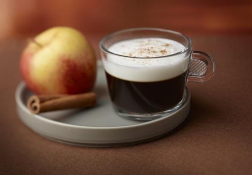 Кафе с ябълки и канела
